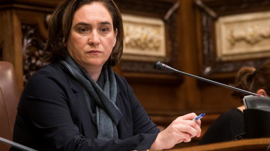 Colau pide al PSC apoyo al referéndum pactado, libertad presos y retirada 155