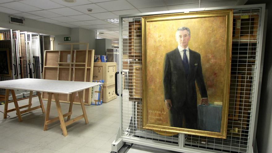 El retrato de Carmen Laffón a Miguel Blesa está guardado en un almacen en el sótano de la antigua sede de Caja Madrid. Foto: Marta Jara.