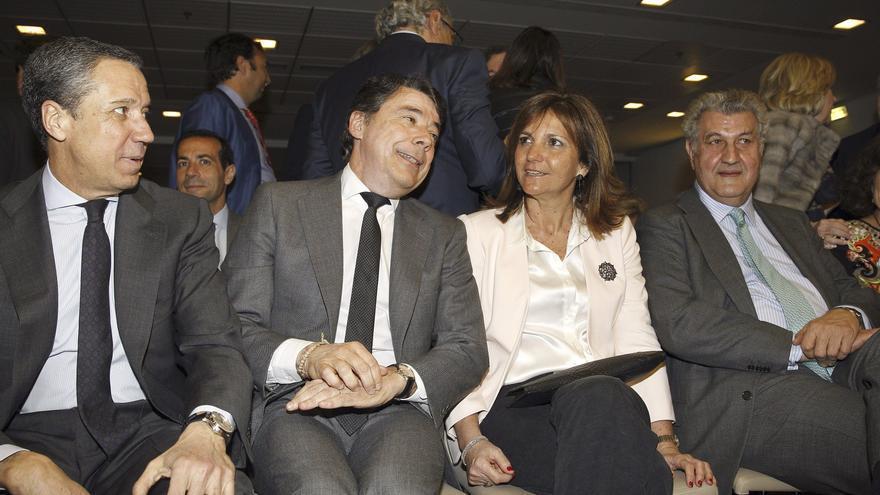 Eduardo Zaplana, Ignacio González y su mujer, Lourdes Cavero, en un acto del Club Siglo XXI