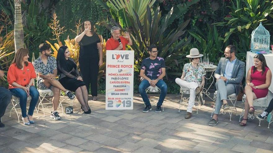 Acto de presentación de los artistas del Love Festival.