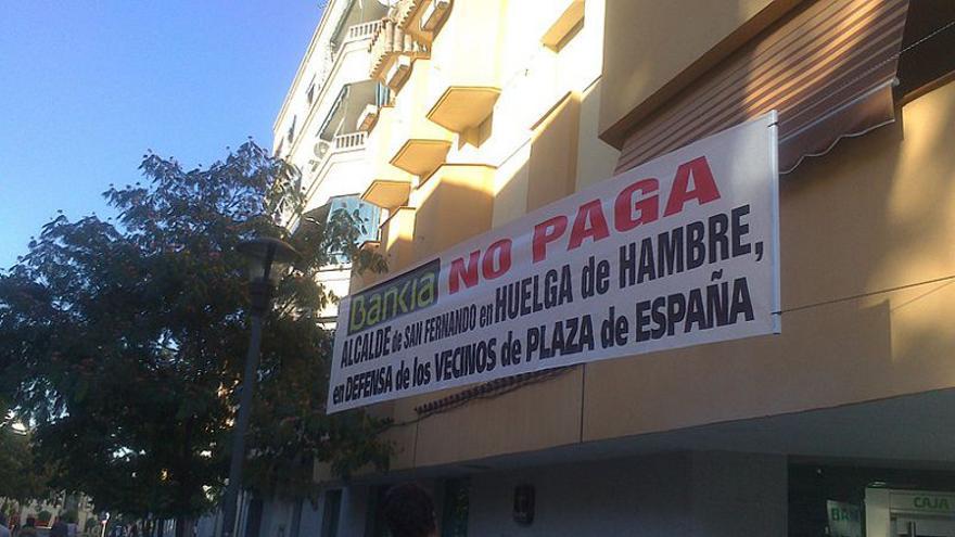 Pancarta contra Bankia en Madrid/Foto: Luisangelzas, de Wikimedia Commons.