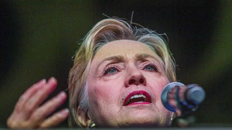 Clinton hará campaña con el senador Kaine, posible aspirante a vicepresidente