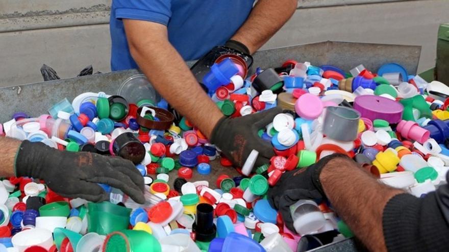 Reciclaje de tapones solidarios