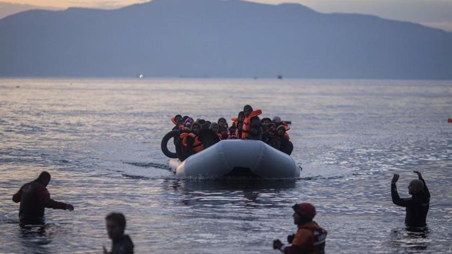 """Expertos ven en la crisis de refugiados """"una monumental brecha de solidaridad"""""""