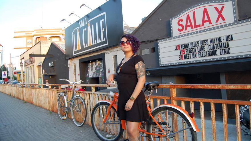 Rebeca Lane en las calles de Sevilla