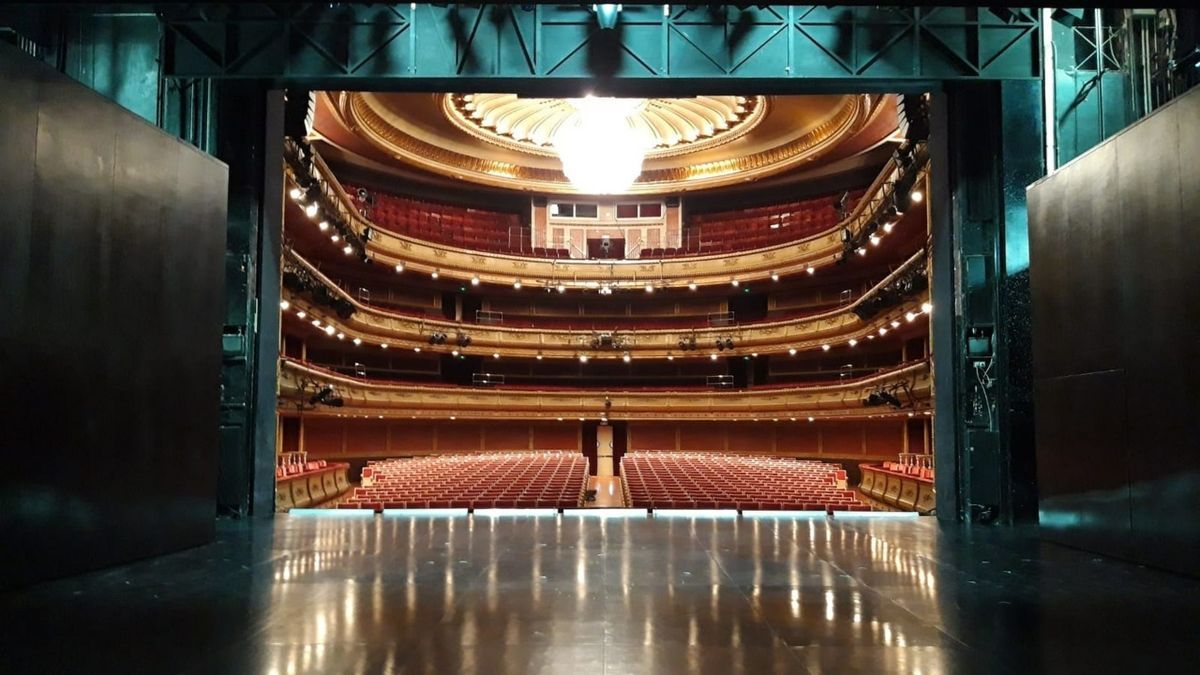 El Teatro de la Zarzuela, dependiente del INAEM y para el que se han convocado plazas de peluquería, iluminación, maquinaria y regiduría, entre otras especialidades