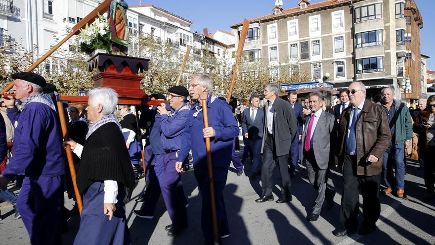 Castro Urdiales celebra su tradicional fiesta de San Andrés con una procesión y una degustación de caracoles
