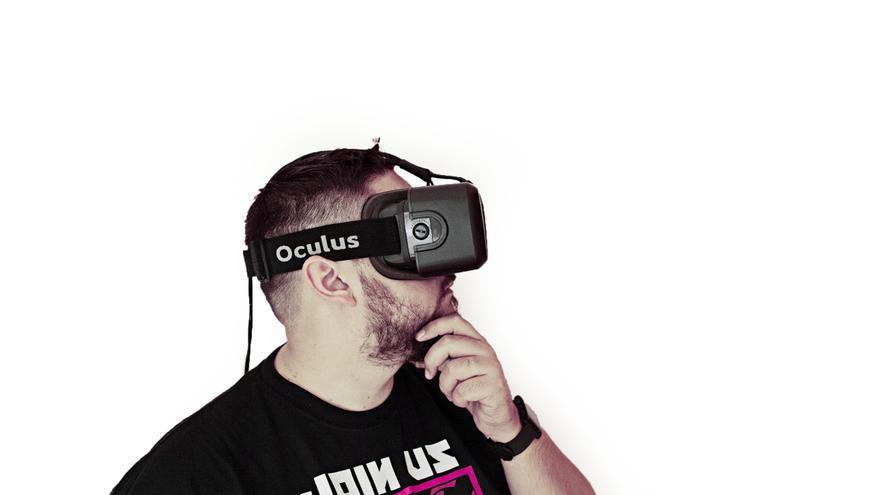 Romero quiso mezclar las gafas de realidad virtual con el teatro interactivo