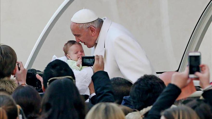 """El papa Francisco participará como actor en la película """"Beyond the Sun"""""""