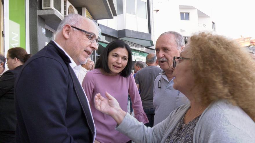 Antonio Morales, junto a Isabel Santiago.