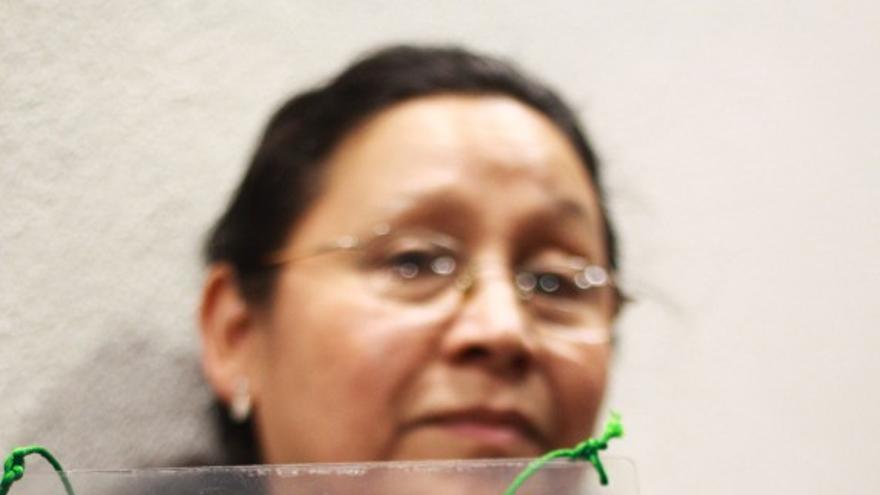 Madre de un de los migrantes desaparecidos en busca de su hijo./ Foto: Antonio Cruz/ SinEmbargo