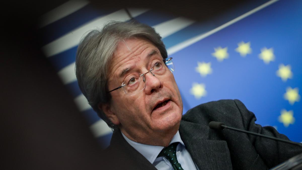 Bruselas lanza un nuevo plan para crear un impuesto de sociedades en la UE ante el 'dumping' fiscal de Holanda o Luxemburgo