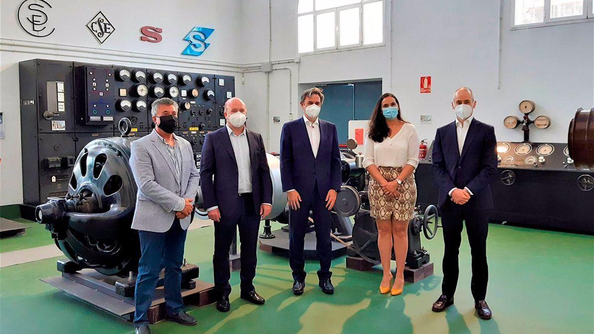 Acuerdo en el espacio expositivo de la central de electricidad en El Carpio.