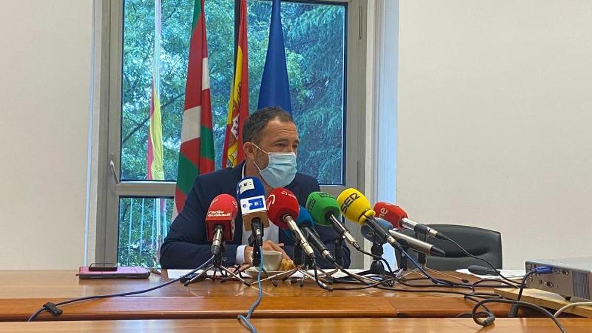 Denis Itxaso, delegado del Gobierno de España en Euskadi, en la presentación del informe 'Cumpliendo'