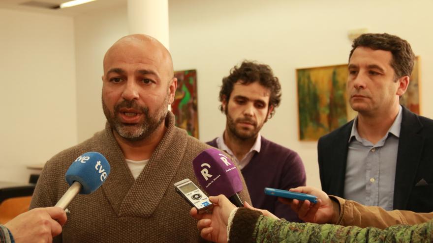José García Molina, en primer plano junto a Jacobo Medianero (izq.) y Esteban Paños (dcha.)