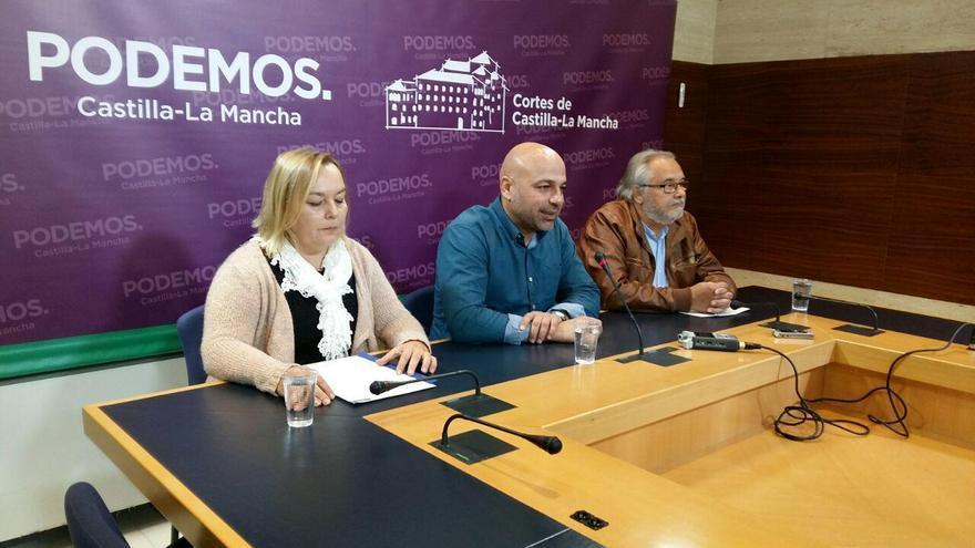 Rueda de prensa de Podemos en las Cortes regionales