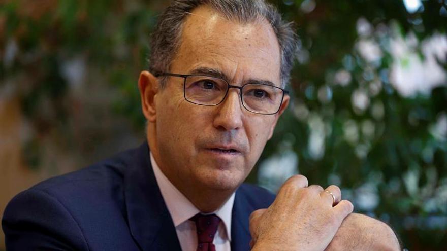 El portavoz de PP en Madrid y la diputada que lo denunció por acoso firman la paz
