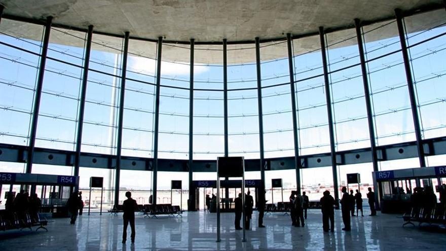 """UGT da un """"voto de confianza"""" al Gobierno y paraliza la huelga en Manises y Alicante"""