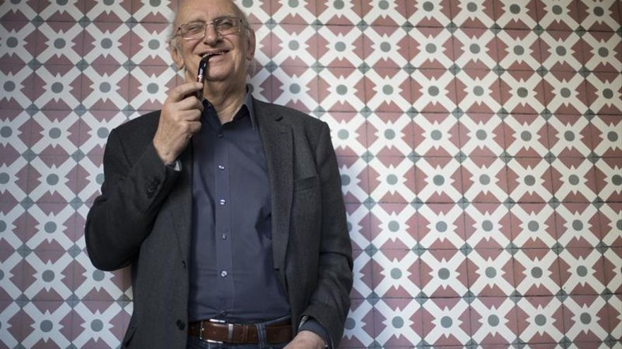 Márkaris: Europa padece un cáncer y Grecia no es más que un dolor de cabeza