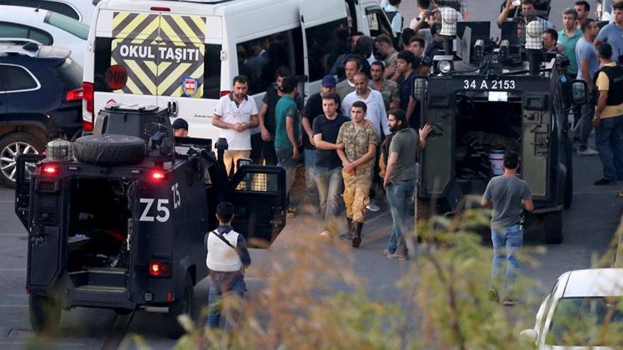Erdogan: El golpe es un regalo de dios que servirá para limpiar el Ejército