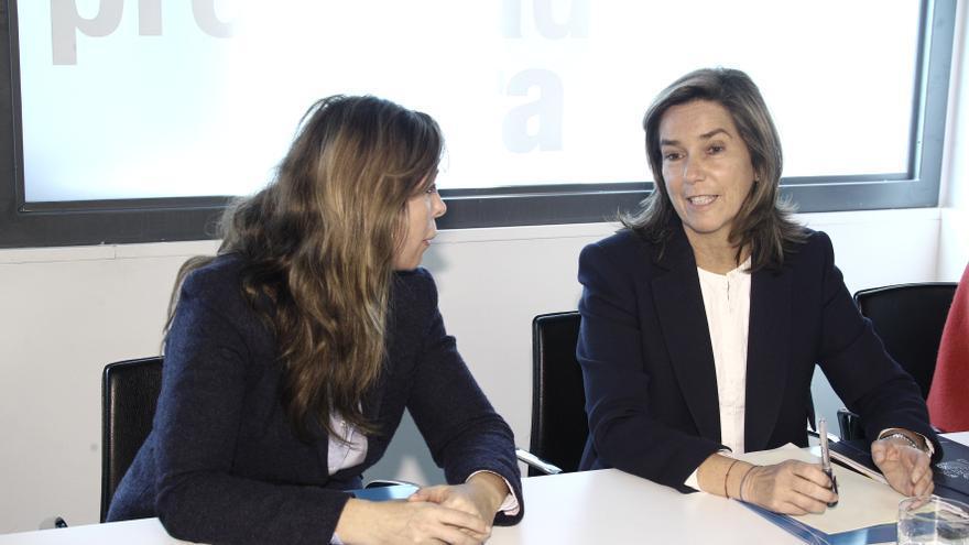 """Rajoy muestra su apoyo a Ana Mato y le pide que sea """"fuerte"""" y esté """"tranquila"""""""