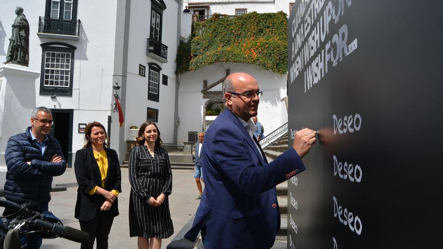 El presidente del Cabildo ha reflejado su deseo de que el Telescopio de Treinta Metros se ubique definitivamente en La Palma.
