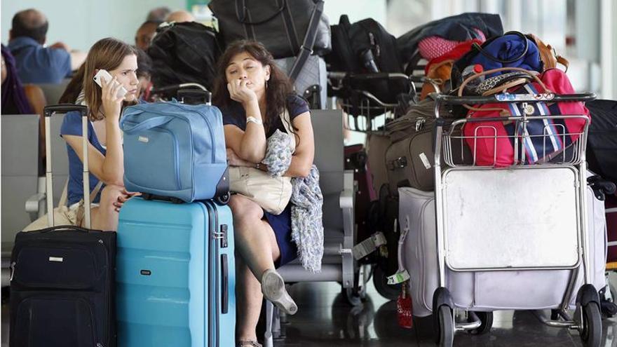 Vueling prevé cancelar hoy 66 vuelos por la huelga en Francia