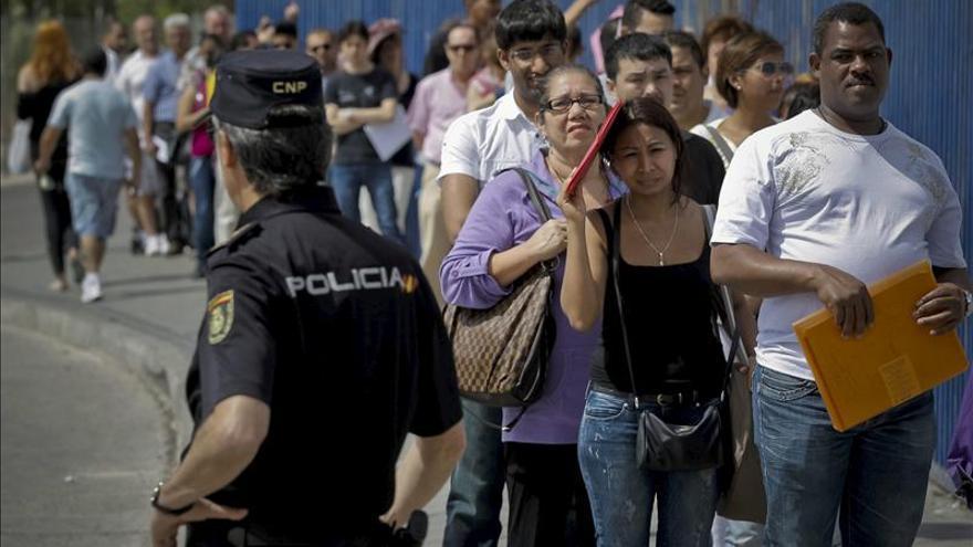 Madrid, responsable del primer descenso en 15 años de extranjeros en España