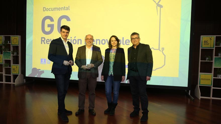 El experto Jorge Morales; el presidente del Cabildo, Antonio Morales, la directora del documetal Macame Mesa y el director de Canarias Ahora Carlos Sosa.
