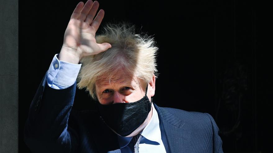 Críticas a Boris Johnson por viajar al G7 en un jet privado y no en tren