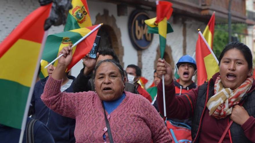 España celebra la decisión de Evo Morales de repetir elecciones en Bolivia