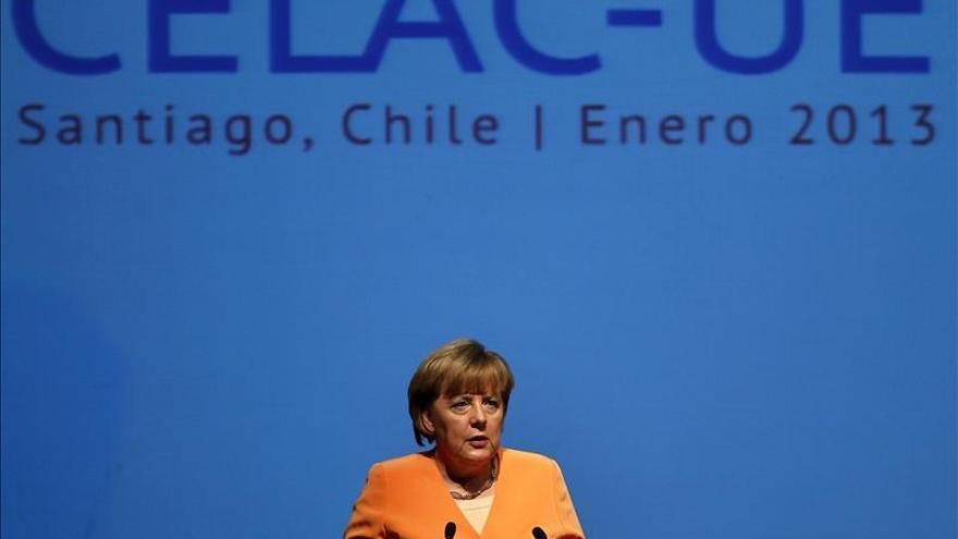Rajoy y Merkel prevén reunirse mañana en Santiago de Chile