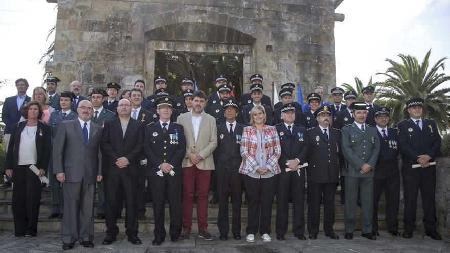 """La alcaldesa destaca el papel de la Policía Local para hacer de Camargo """"un municipio cada día más seguro"""""""