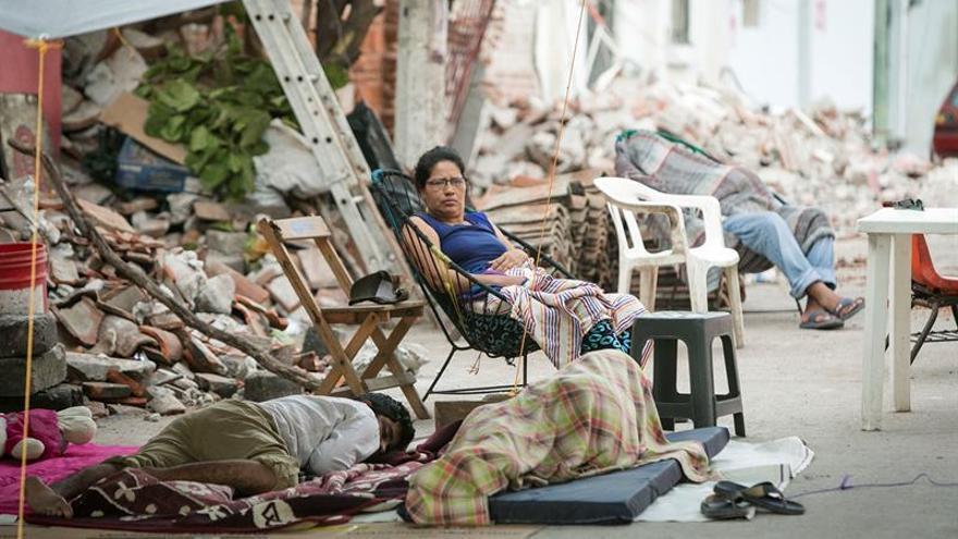 Aumentan casas dañadas por seísmo mientras la población clama por ayuda
