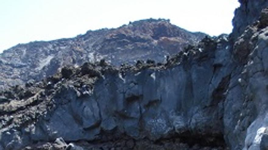 Laguna en Echentive, en el litoral de Fuencaliente. (Fotos: Consorcio de la Biosfera)