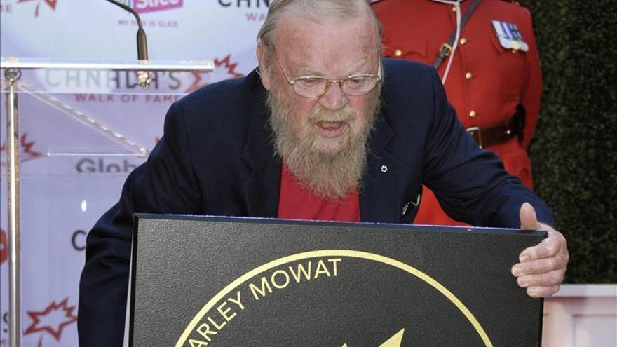 Fallece a los 92 años el escritor y activista canadiense Farley Mowat