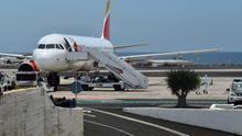 El sistema de rastreo sanitario evitó un contagio masivo provocado por el pasajero que voló con COVID-19 a Lanzarote