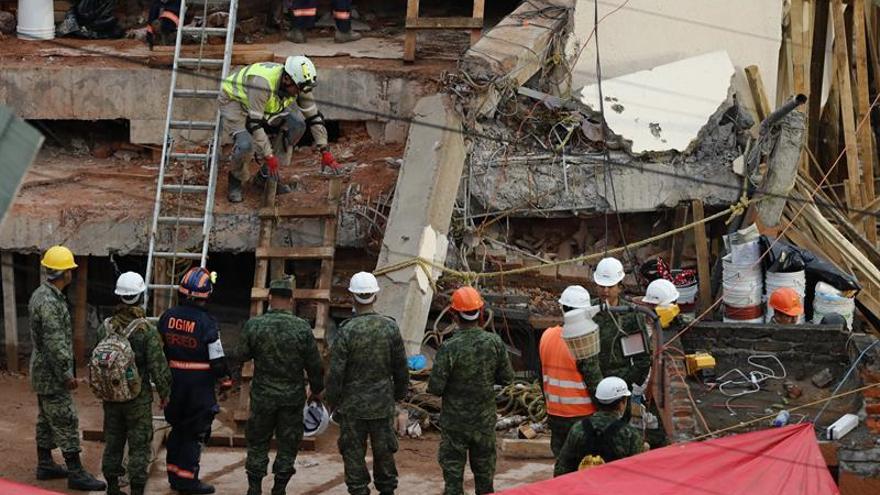 Guatemala enviará 47 rescatistas a México para colaborar en la búsqueda de víctimas