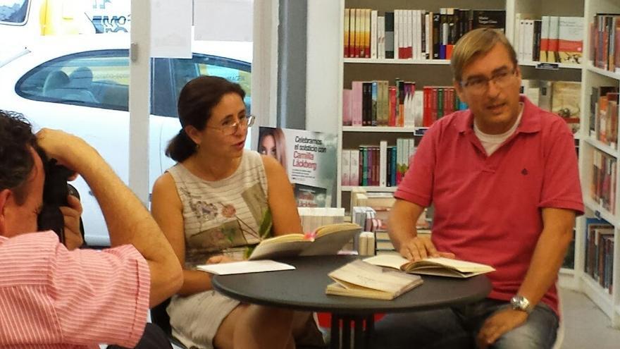 Claudio Colina Pontes, heterónimo de Gabriel Díaz, en una cita en El Libro en Blanco
