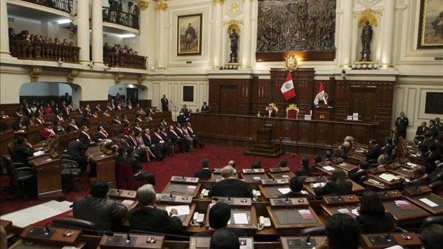 El embajador de Perú en Venezuela renuncia tras ser cuestionado por el Congreso