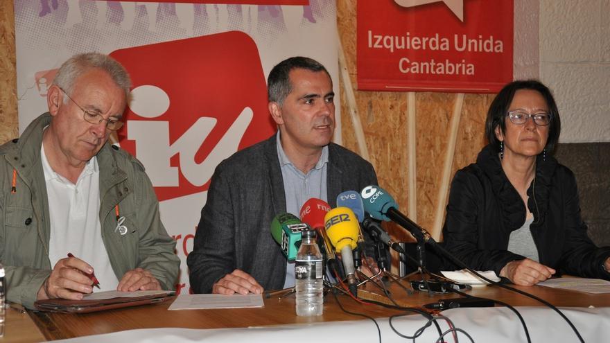 """Cayo Lara cree que en Andalucía hay """"hoy más inestabilidad"""" por la """"irresponsabilidad"""" de Díaz"""