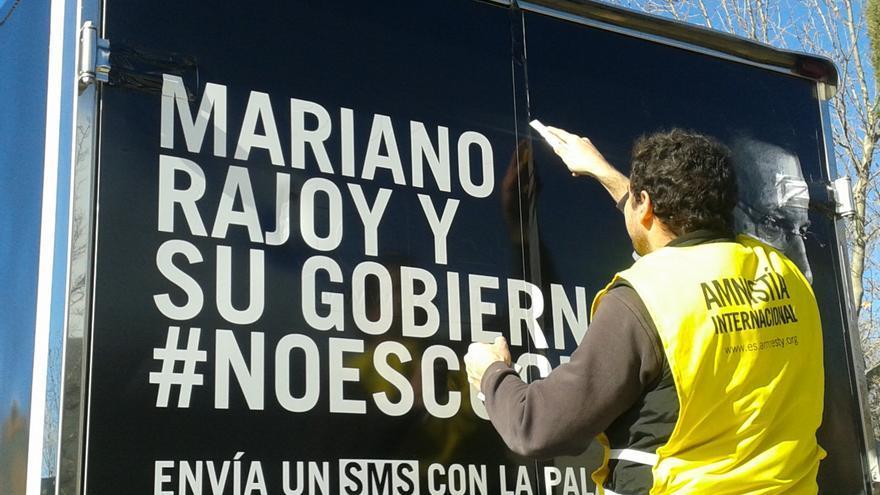 Una furgoneta de AI España ha recorrido las calles de Madrid emitiendo las voces de más de 1.400 personas © Amnistía Internacional