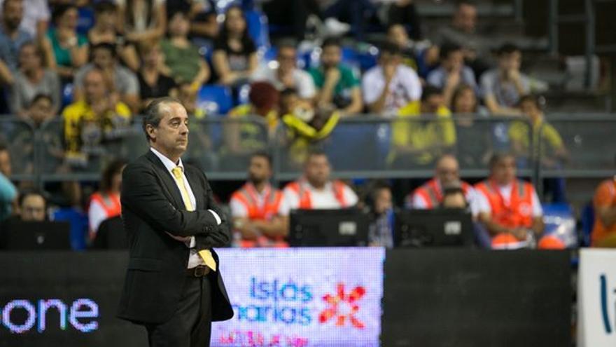 El entrenador del Iberostar Tenerife, Txus Vidorreta. (Twitter oficial Iberostar Tenerife).