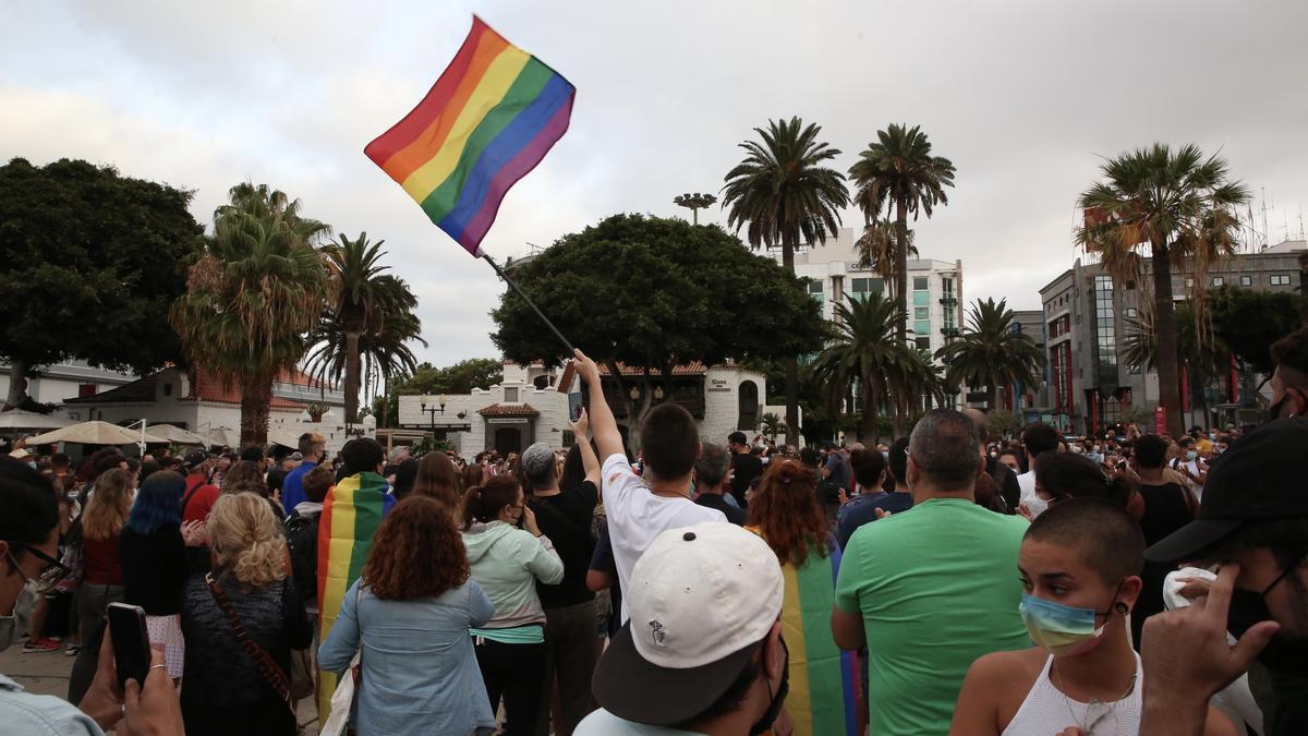 Concentración reclamando justicia para Samuel en Las Palmas de Gran Canaria. (ALEJANDRO RAMOS)