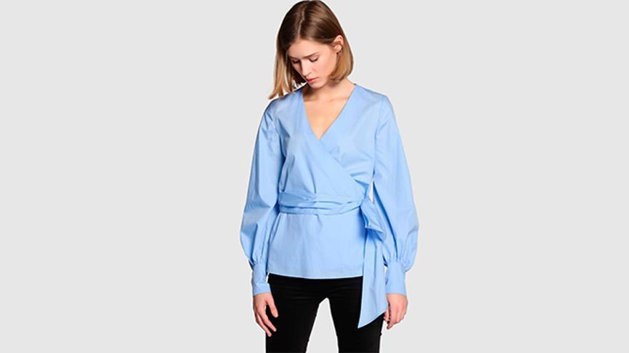 Blusa de popelín de mujer Amitié en color azul.