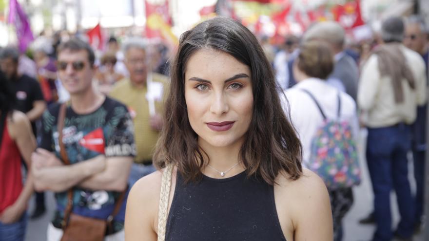 Eva García, estudiante de 23 años, en la Marcha del Primero de Mayo en Madrid.