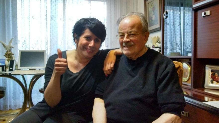 Jesús y Melisa son vecinos unidos por la Fundación 'Amigos de los Mayores'