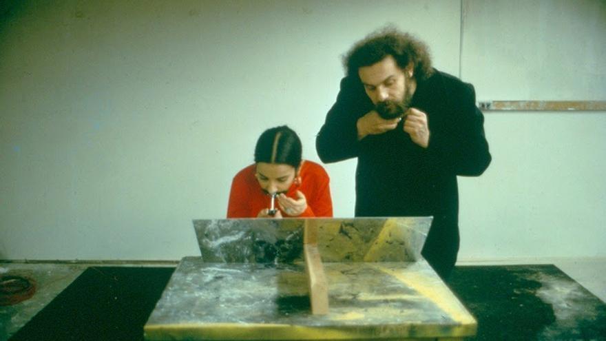 Ana Mendieta: Facial Hair-Transplants. ( Transplante de vello facial 1972) Foto-Performance