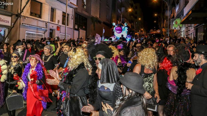 Entierro de la Sardina en una edición anterior del Carnaval de Santa Cruz de Tenerife / Foto del Organismo Autónomo de Fiestas