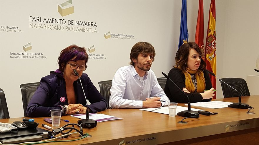 Los parlamentarios alineados con la dirección de Podemos defienden que el cambio de nombre del grupo precisa unanimidad